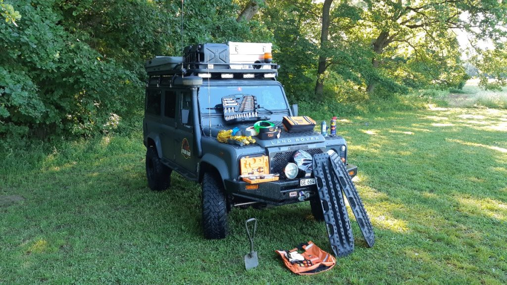 overlanding recovery kit feature